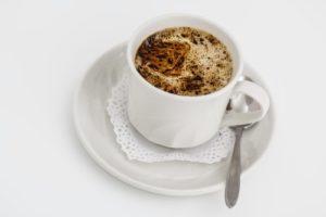 Kaffekopp med kaffe i.