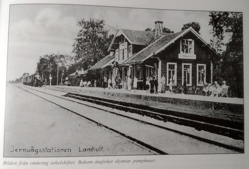 Vykort Jernvägsstationen vid förra sekelskiftet.