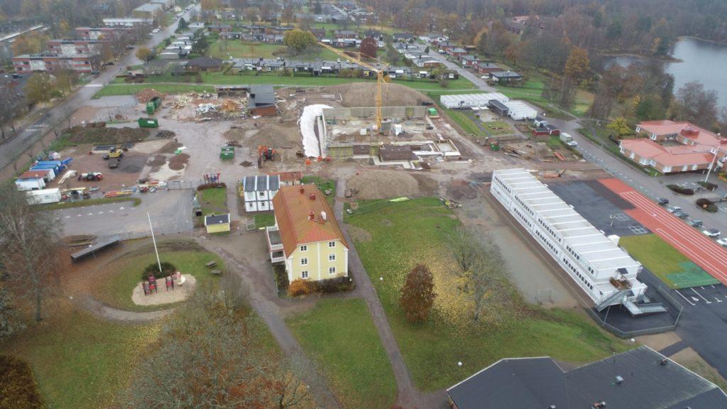 Flygbild över skolbygget 1 november 2020